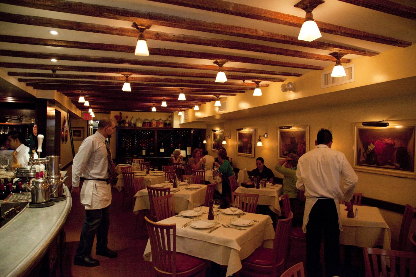 14 Best Restaurant Row NYC Eateries to Visit Before Broadway