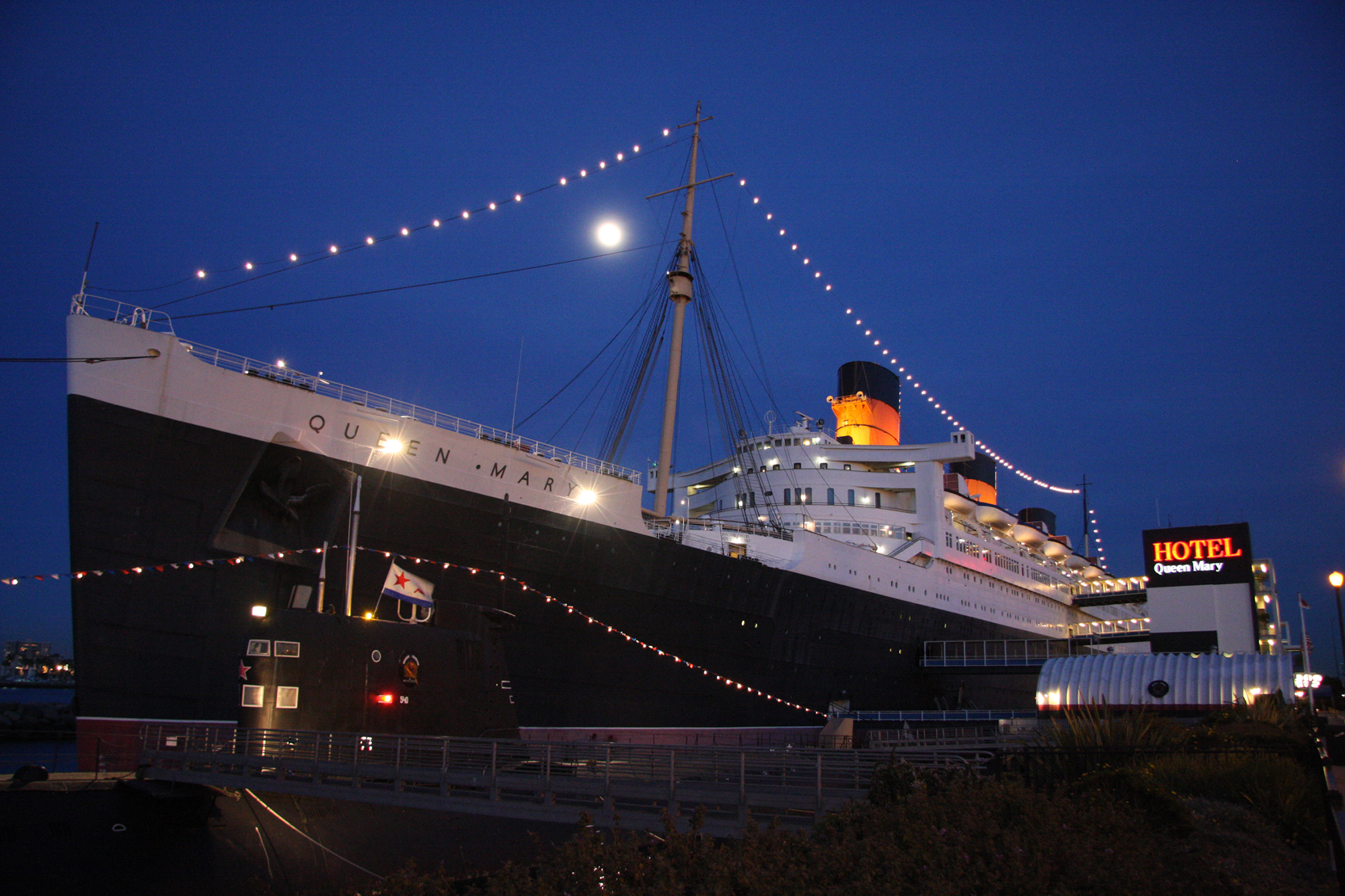New Year s Eve Parties in Los Angeles For All Budgets Queen Mary
