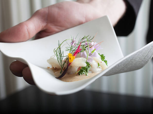 Alinea Celebrates Its Anniversary With A Six Course Tasting Menu To Go