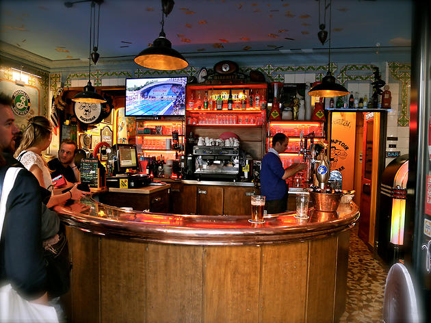 The Best Sports Bars In Paris Bars Amp Pubs Time Out Paris