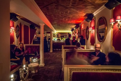 25 Most Romantic Bars in NYC to Visit for Date Night