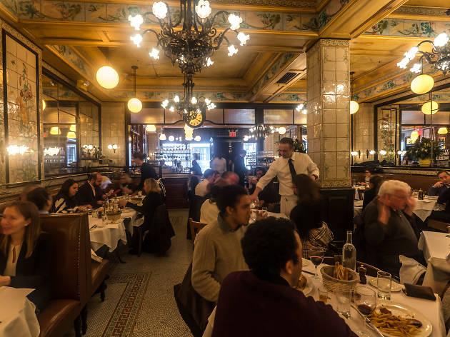 Restaurant Review: Tap Into Old New York Glamour At