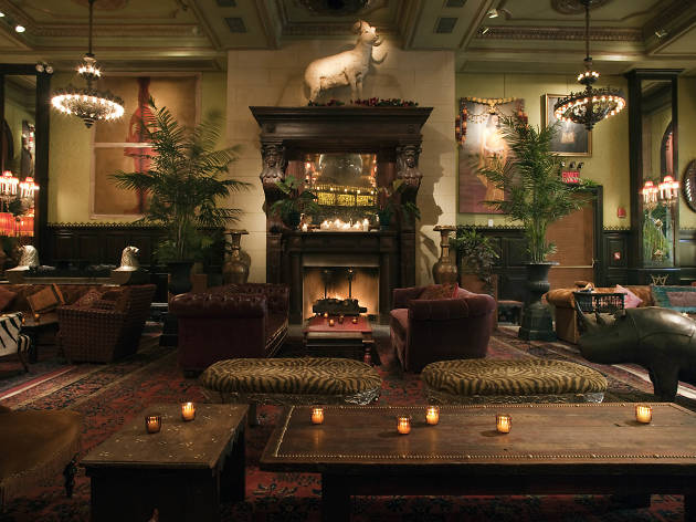 21 Best Bars With Fireplaces In NYC To Keep You Warm