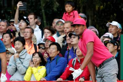 Golf roundup: Tony Finau surges late in third round of HSBC Champions