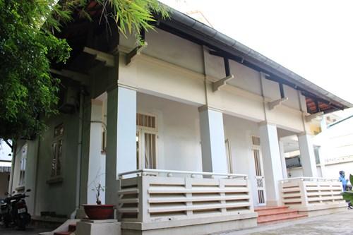 Hình ảnh Gia đình cố Giáo sư Trần Văn Khê chính thức bàn giao nhà cho Nhà nước số 1