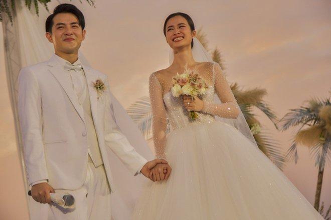 Hé lộ số tiền mừng cưới khủng của Trấn Thành cho Đông Nhi - Ông Cao Thắng trong đám cưới 2