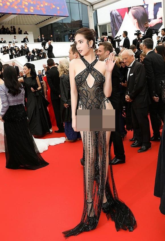 Thêm một 'gà cưng' Khắc Tiệp diện váy xuyên thấu trên thảm đỏ Cannes 5