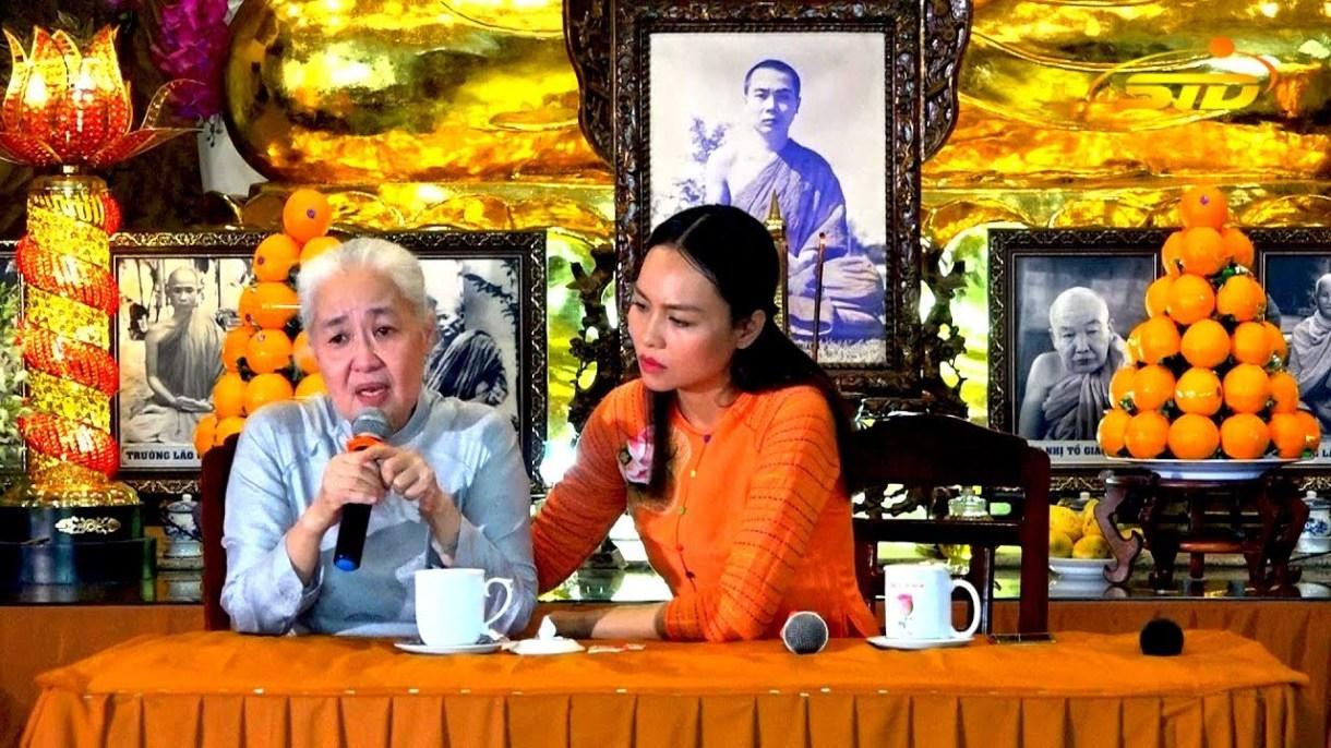 Những điều ít biết chuyên gia ẩm thực Nguyễn Dzoãn Cẩm Vân - người vừa xuống tóc quy y 5