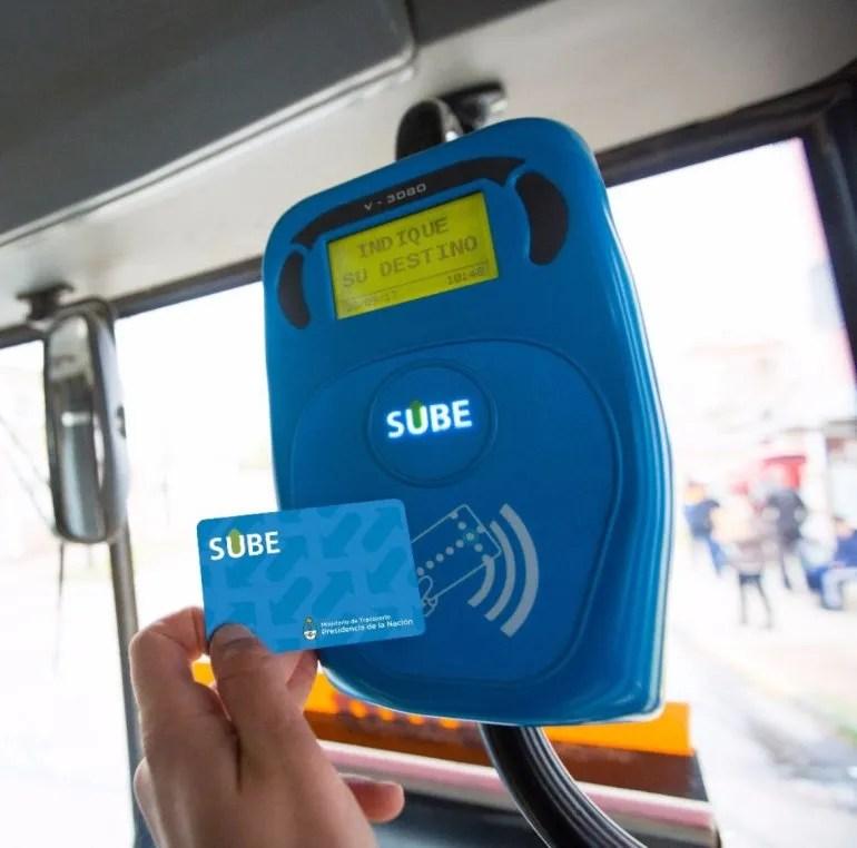 Una aplicación permite cargar la SUBE apoyando la tarjeta en el ...