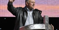 https://townhall.com/columnists/toddstarnes/2018/02/04/franklin-graham-says-media-is-complicit-in-coup-to-destroy-trump-n2444087?utm_source=thdaily&utm_medium=email&utm_campaign=nl&newsletterad=