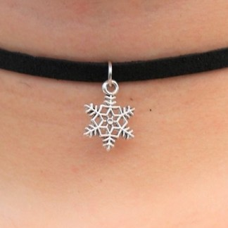 Snowfling Choker Necklace