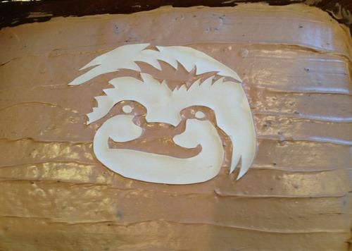 Nominis Expers Chocolate Hazelnut Cake Sloth Stencil