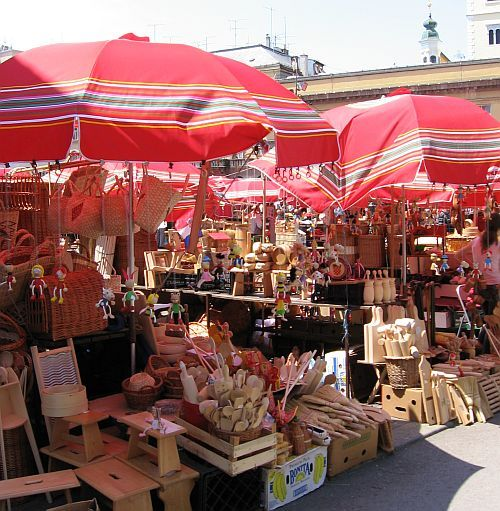 20cf7a2938d (The image below is a wooden household items crafts booth at Zagreb s Dolac  farmers  market.)