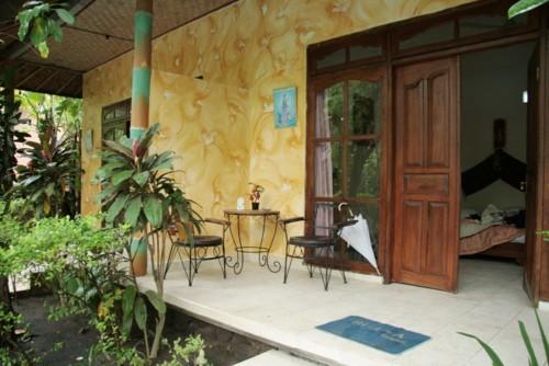 Se loger à Amed : le Bali Yogi bungalows, terrasse