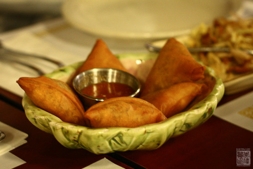 Burmese oh my food coma unlike indian samosas burmese ones are relatively flat and triangle shaped they were perfectly fried but a bit too small for my liking forumfinder Gallery