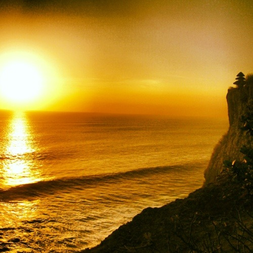 Un fabuleux coucher de soleil à Uluwatu