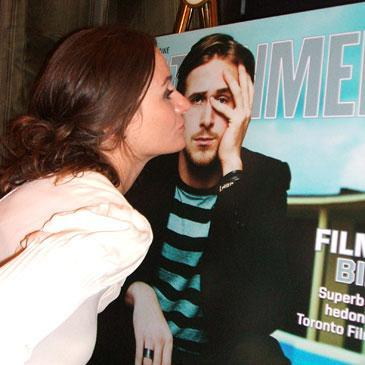 Emily Mortimer kisses Ryan Gosling