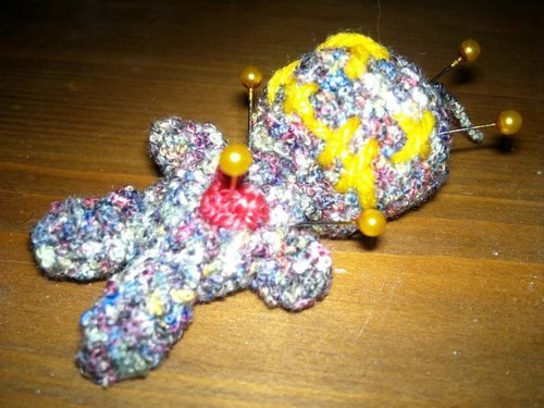 Voodoo Doll Pincushion Crochet Pattern   Supergurumi   375x500