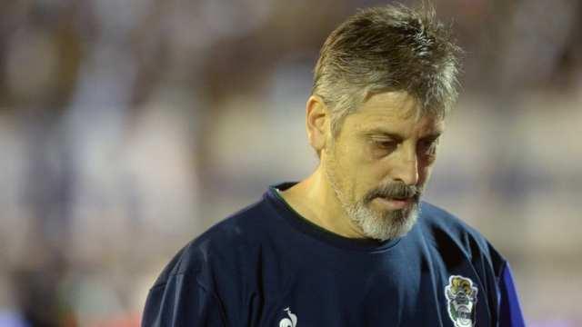Ortiz dejó de ser el técnico de Gimnasia