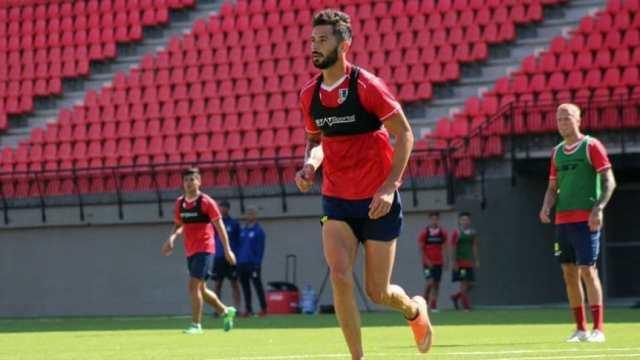 Marcelo Larrondo renovó su contrato con Unión La Calera