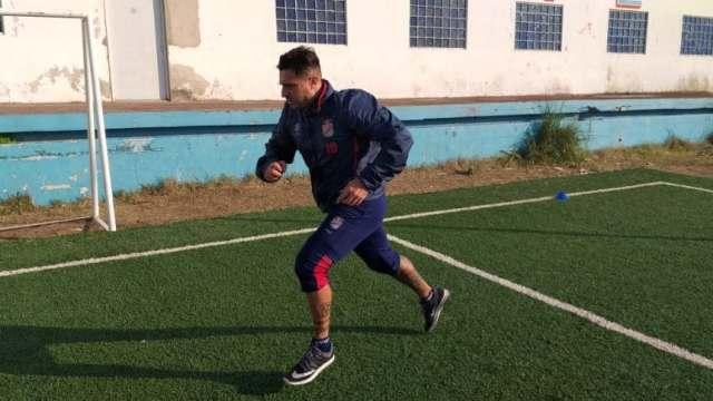 Pablo Álvarez realizó su primer entrenamiento a la espera de la firma del contrato