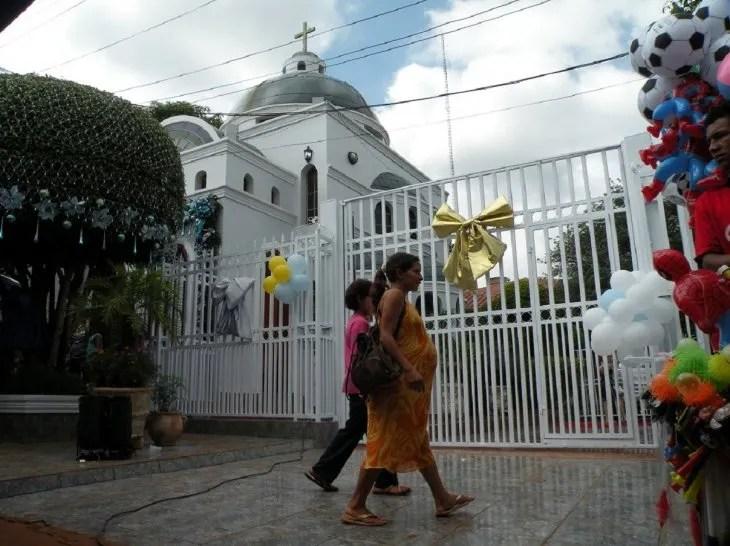 El oratorio fue construido como una réplica exacta del Santuario original en Caacupé.