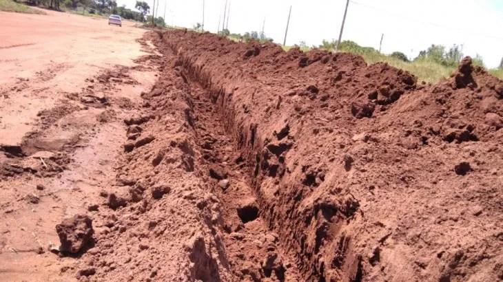 Las fosas fueron cavadas en los principales puntos de acceso.