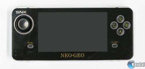Confirmado el lanzamiento en España de la portátil NeoGeo X Gold