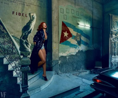 Rihanna Stuns On The Cover Of Vanity Fair,November Issue