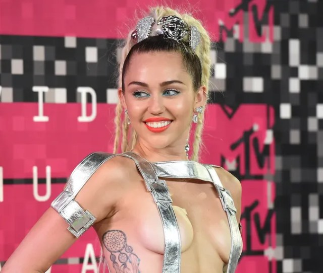 Miley Cyrus Reportedly Planning Naked Concert For Art Or Something