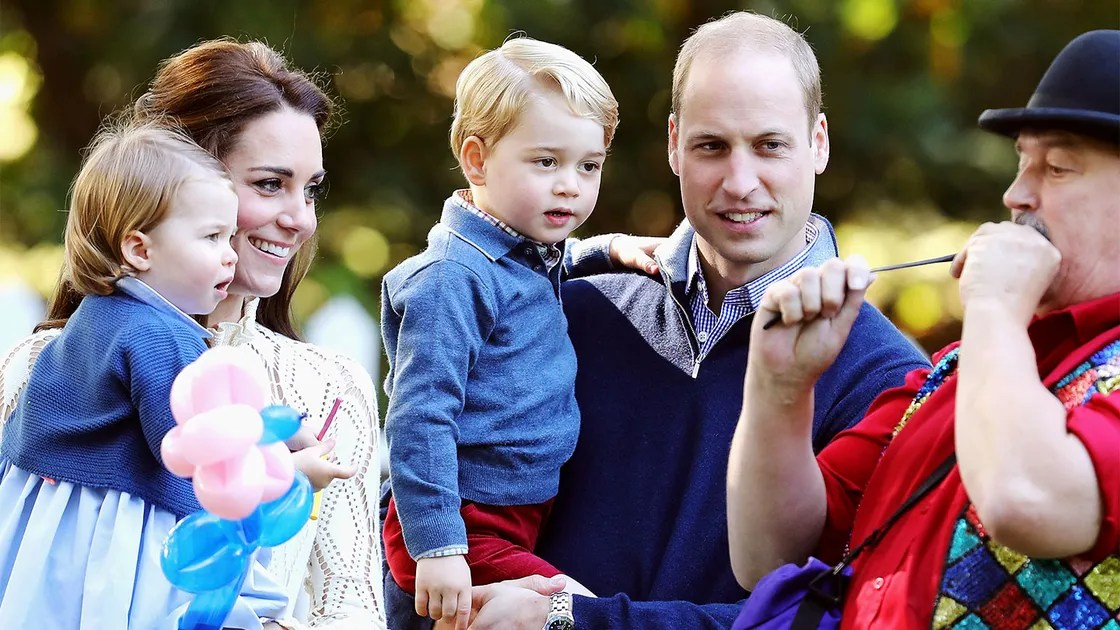 See Kate Middleton And Prince Williams Family Christmas