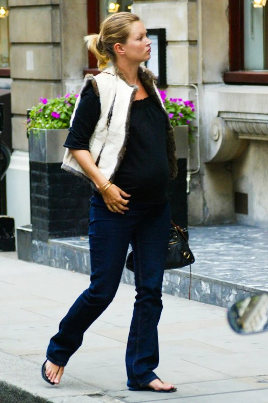 Kate Moss walking in London (2002)