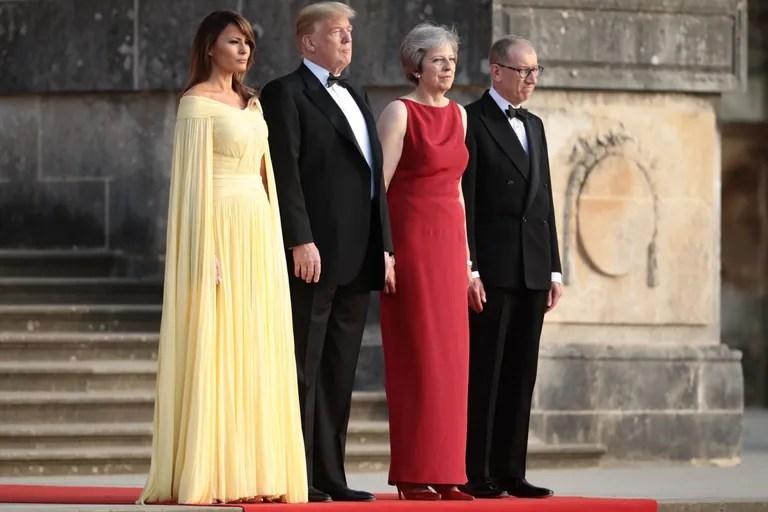 Melania Trump en jaune pour le dîner en Angleterre