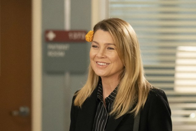 Wait Is Ellen Pompeo Sticking With Greys Anatomy After All