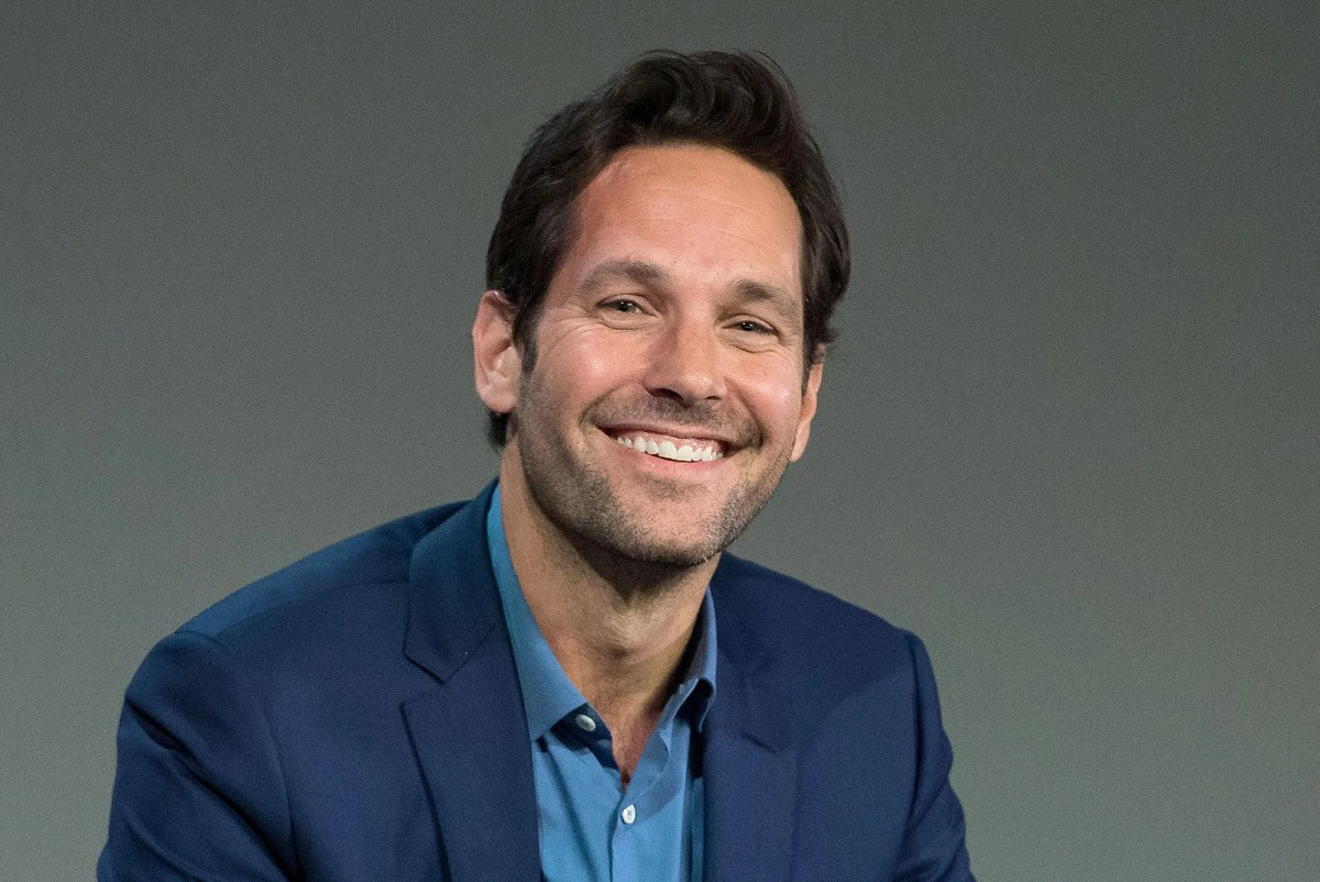 Paul Rudd Gives Early Voters in New York a Treat   Vanity Fair