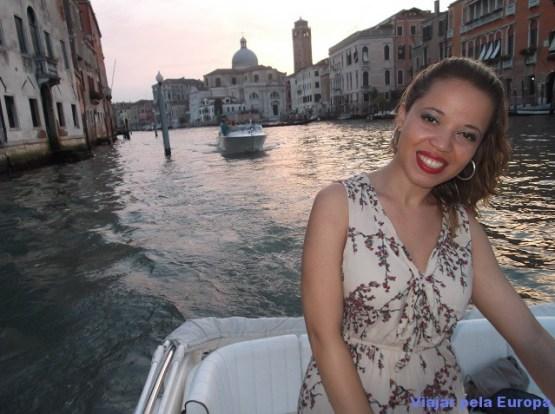Passeio de barco em Veneza.