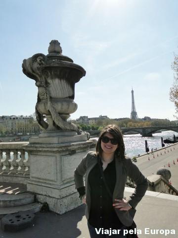 Torre Eiffel e Rio Sena como plano de fundo :)