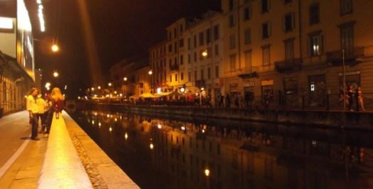 Canal artificial em Navigli District