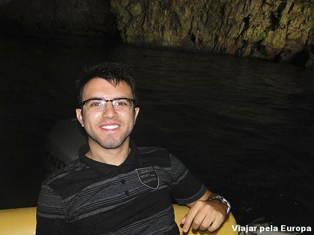 Meu noivo Jonatan na Green Cave que mais parecia Dark Cave