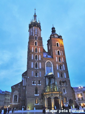 Perca-se no tempo observando cada detalhe observando a Igreja Santa Maria