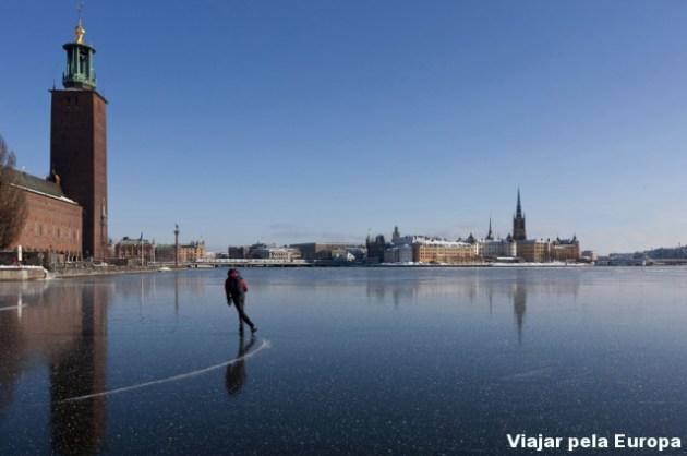 Patinar no gelo em Estocolmo é muito chique!