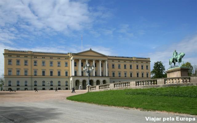 Palácio Real de Oslo - Noruega. Foto por: VisitOSLO.