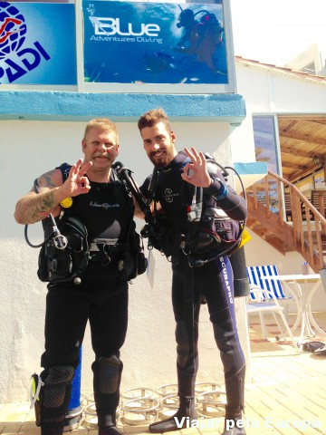 Instrutores queridos da Blue Adventures diving de Creta.