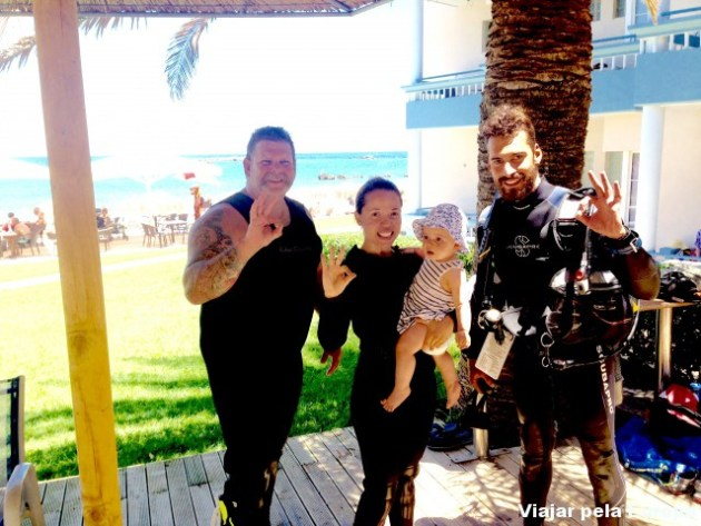 Comemorando o sucesso do mergulho em Creta!