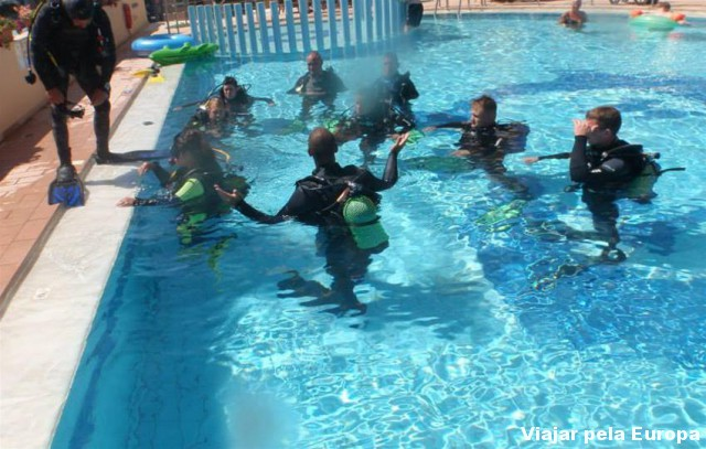Curso básico de mergulho em Creta.