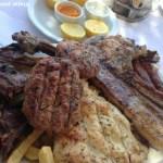 Comida típica grega em Atenas