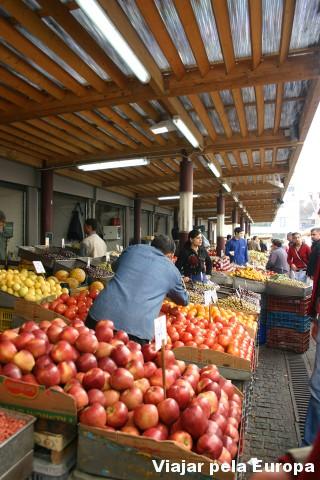 O mercado de frutas é um boa pedida para conversar e conhecer um pouco o cotidiano de Atenas. Foto por: My Athens