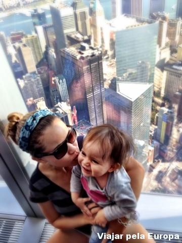 Muita emoção ver minha pequena-viajante super interessada no. NY