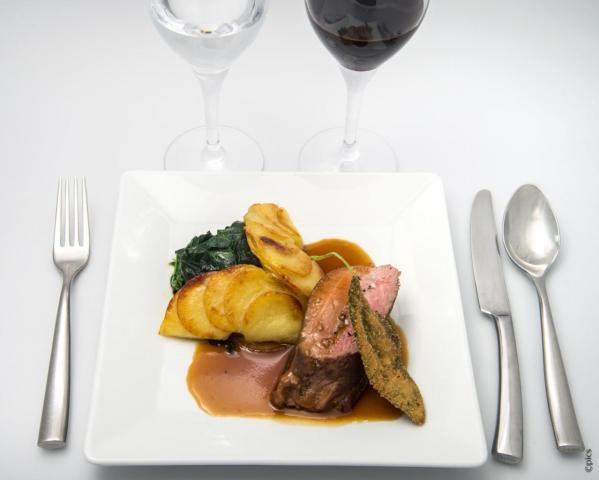 jantar-lido-de-paris-piece-de-veau-poelee-epinards-juste-tombes-et-pommes-de-terre-gratinees