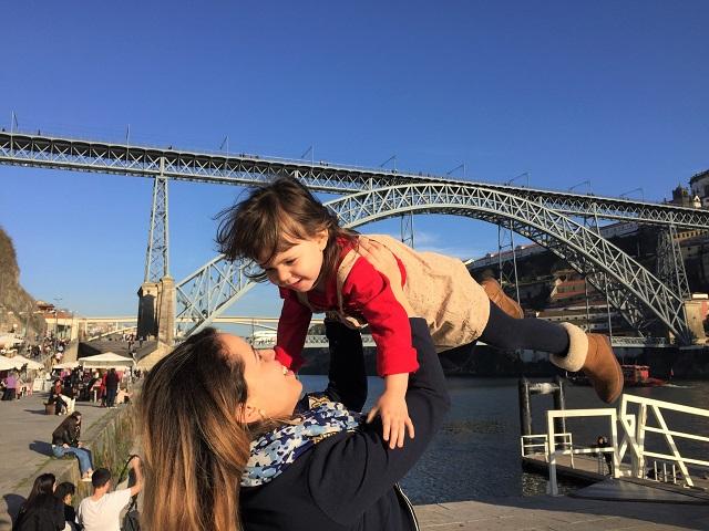 criar filho bilingues